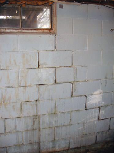 Buckling wall